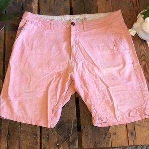 H&M Men's pink shorts - Size 34 waist